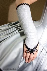 Перчатки с кружевом