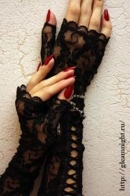 Кружевные перчатки со шнуровкой