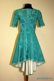 Платье с нежным рисунком