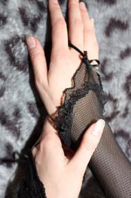 Перчатки с шелковой петелькой