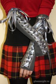 Серые перчатки со шнуровкой