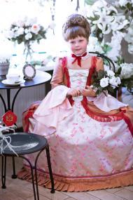 Платье придворной дамы