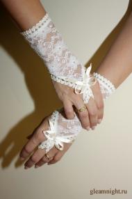 Короткие перчатки айвори
