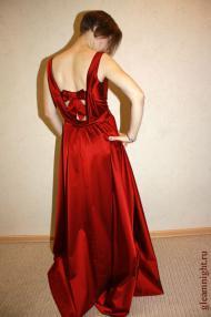 Длинное вечернее платье