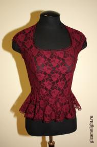 Кружевная блузка с баской